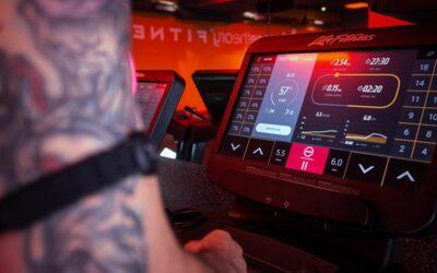 Nowe OrangeTheory Fitness w Warszawie z bieżniami Life Fitness
